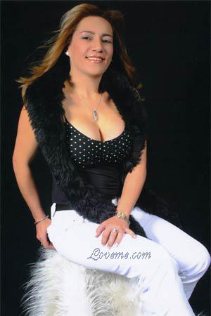 Brooke belle blonde blowjobs huge cock